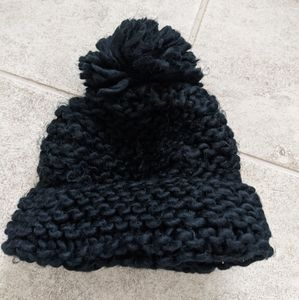 Black CottonOn winter hat